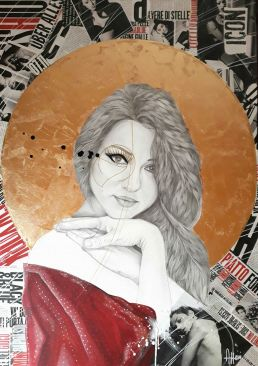 Donna di Luna opera di Valentina Azzini
